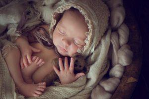 новорожденный в корзине, стихотворение на рождение