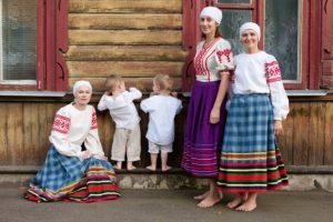 пасля родаў, семейные традиции беларуси